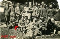 IN FRONTIERA 1930        (Foto di Bruno Marino) GIOV. MARINO (G.F.) CON COLLEGHI IN FRONTIERA NEL 1930.LOCALITA' VALICO DI VALONA ORA NON PIU' NOSTRA.  - Ragusa (4348 clic)