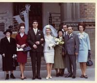 MATRIMONIO  1966  (Foto di Bruno Marino)  IL MATRIMONIO DI MARUNDA E PEPICEK MIEI COGNATI  IN QUEL DI BUDAPEST NEL 1966. ALLA ESTREMA DESTRA  MIA CARA MOGLIE JANINKA.                           BUDAPEST 1966  - Ragusa (3229 clic)