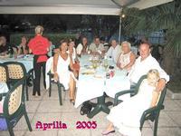 UNABELLASERATA       (Foto di Bruno Marino)  UNA BELLA SERATA RILASSANTE IN COMPAGNIA DI AMICI  E PARENTI 2005  - Ragusa (3637 clic)