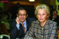 ILMIOAMORE  1997       (Foto di Bruno Marino) LA MIA STAMPELLA,MOGLIE,AMICA,AMANTE,DOLCE COME IL MIELE E AMARA COME LA CICUTA.LA DONNA PER TUTTE LE STAGIONI DELLA VITA.IL MIO TUTTOOOOOOO!!!OGGI SONO QUARANTA ANNI DI CONVIVENZA,DI LOTTE,DI AMORE.   PRAGA 05/01/1997  - Ragusa (3271 clic)