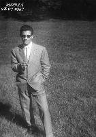 GIOVANE DEL 1957       (Foto di Bruno Marino)   TUTTA LA SETTIMANA IN TUTA DI LAVORO.    ALLA DOME