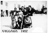 SCAMPAGNATA   1957        (Foto di Bruno Marino) UNA SCAMPAGNAATA MEMORABILE CON AMICI IN QUEL DI  VILLAGA(VI) NEL 1957. OSPITI  IN UNA MASSERIA.  VITTO e ALLOGGIO SUPERLATIVI (Parenti erano)  - Ragusa (3026 clic)