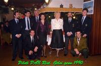 FRECCE TRICOLORI  1990    (Foto di Bruno Marino) MIA MOGLIE JANJNKA (Camicia biaanca) ASSIEME AD UN GRUPPO DI PILOTI DELLE FRECCE TRICOLORI IN OCCASIONE DI UNA LORO MANIFESTAZIOE AEREA.   APRILIA RIST.GELSI  GEN.1990  - Ragusa (5215 clic)