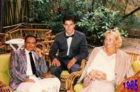 NOI TRE  1985       (Foto di Bruno Marino)  IN OCCASIONE DELLE NOZZE DELLA CARA AMICA ELEONOR  A S