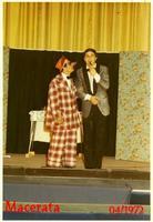 RICHETTO  1972         (Foto di Bruno Marino)  IL COMICO RICHETTO IN UNO STECCHETTO DEL SUO  REPERTORIO.I COMICI DI OGGI PARLANO SOLO DI  BERLUSCONI E NON FARANNO  RIDERE.QUANDO BERLUSCONI   NON CI SARA'- PIU' DOVRANNO ANDARE IN PENSIONE!!!     MACERATA 04/1972  - Ragusa (3151 clic)
