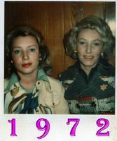 DUE BELLE FIGLIOLE . MARY E JANY   VIENNA 1972  - Ragusa (5008 clic)