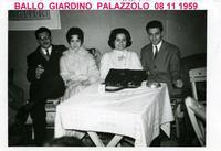 LA  BALERA  1959            (Foto di Bruno Marino) SERATA IN BALERA.   IL BALLO INIZIAVA ALLE 20 E  FINIVA A MEZZANOTTE. OGGI INIZIA A MAZZANOTTE GIA' MEZZI... SBRONZI.  NOVA MILANESE (MI) 1959  - Ragusa (3416 clic)