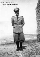 GIOVANNI MARINO 1942     (Foto di Bruno Marino) GIOVANNI MARINO IN SERVIZIO AL FARO A PUNTA SECCA ANNO 1942  - Ragusa (6739 clic)