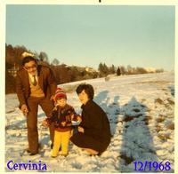 GITA  IN CERVINIA  1968      (Foto di Bruno Marino)  BRUNO MADDALENA E MORENO IN CERVINIA   1968   - Ragusa (3468 clic)