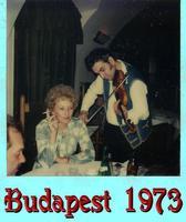SERENATA  1973   (Foto di Bruno Marino)  UNA ROMANTICA SERENATA ALLA MIA BELLA JANINKA      BUDAPEST 1973  - Ragusa (3194 clic)