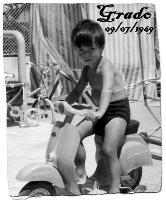MORENO  1969             (Foto di Bruno Marino)   MIO CARO FIGLIOLO MORENO IN VACANZA A GRADO 1969  - Ragusa (3189 clic)