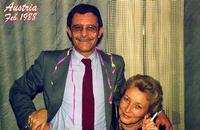 IO e TU- -TU e MI - 1988     (Foto di Bruno Marino)  CARNEVALE IN DUE.NOI DUE.SEMPRE NOI.PER TUTTA LA  VITA SOLO NOI.SIAMO IL MASSIMO DELL'AMORE!!  CHI PROVA DIVIDERCI PESTE LO COLGA!! ETERNI SIAMO  ETERNI RESTEREMO.  VIENNA 1988  - Ragusa (3039 clic)