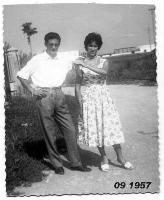 FIDANZATI  DEL  1957        (Foto di Bruno Marino) BRUNO e MADDALENA GIOVANI IN AMORE   MONZA 1957  - Ragusa (3193 clic)