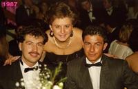 GIOVENTU'  1987    (Foto di Bruno Marino)  PETER--KARIM--MORENO- TRE BEI GIOVANI PADRONI DEL  MONDO E DEL FUTURO.     AUSTRIA 1987  - Ragusa (3926 clic)