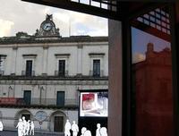 riflessi su una vetrina del centro - 2011   - Modica (2227 clic)