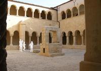 Santa Maria del Gesù  La chiesa e il convento furono fondati nel 1478 e rappresentano uno dei pochi monumenti superstiti del Quattro-Cinquecento siciliano tra i più rilevanti ma meno conosciuti.  - Modica (14640 clic)