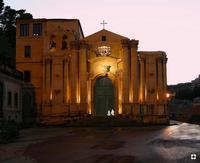 Madonna delle Grazie, sagome in movimento n.168 di Enzo Belluardo dal racconto Per le vie di Modica dedicato alla città per La Piccola Locanda Modica   - Modica (3064 clic)