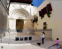 Ibla, Portale di S. Giorgio, bambini con cane  RAGUSA Enzo Belluardo