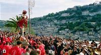 San Giorgio, inizia la processione  MODICA Enzo Belluardo
