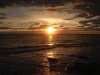 tramonto fra le nuvole  - Pozzallo (5901 clic)
