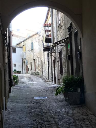 portico a petralia sottana - Petralia Sottana - inserita il 30-Jan-20