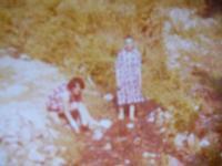LA NONNA MARIA CALABRESE ED MIA MAMMA SANTA  MONTAGNAREALE ANNO 1974   - Montagnareale (3091 clic)