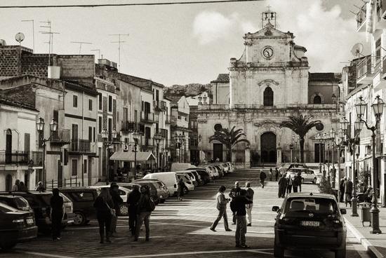 Piazza Garibaldi - SANTA CATERINA VILLARMOSA - inserita il 28-Mar-12