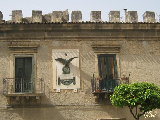 Particolare del Palazo Branciforti - LEONFORTE - inserita il 17-Jun-13