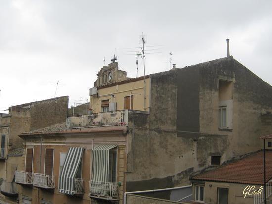 Scorcio con vista chiesa S. Giuseppe - LEONFORTE - inserita il 27-May-13