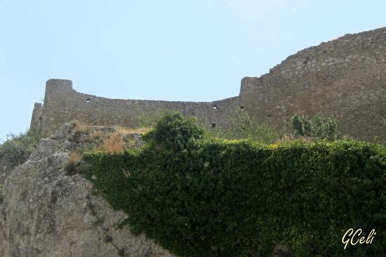 Ruderi del Castello - ASSORO - inserita il 27-Aug-13