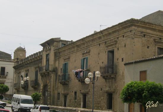 Palazzo Branciforti e Campanile chiesa Madre - LEONFORTE - inserita il 27-May-13