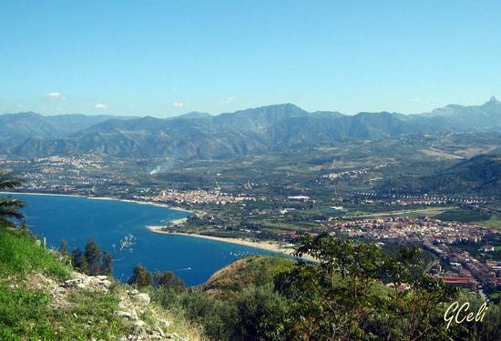Veduta della costa tirrenica con Falcone e Barcellona P G - TINDARI - inserita il 14-Oct-13