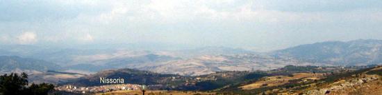 Veduta dal Castello di Assoro - NISSORIA - inserita il 02-Sep-13