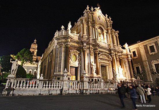 Catania: il Duomo - CATANIA - inserita il 20-Apr-15