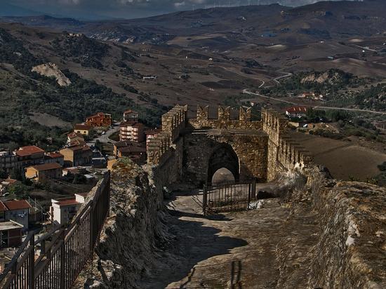 Castello di Sperlinga. - SPERLINGA - inserita il 20-Apr-15