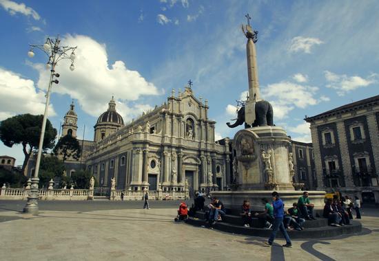 Piazza Duomo - CATANIA - inserita il 25-May-12