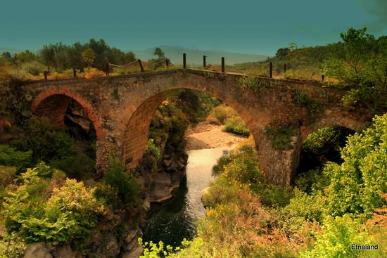 Ponte Normanno - BRONTE - inserita il 22-May-12