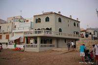 La Casa del commissario Montalbano La splendida casa del famosissimo film, il commissario Montalbano, situata sulla stupenda spiaggia di Punta Secca.   - Punta secca (1037 clic)