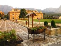 Ficuzza, Palazzo Reale Il palazzo Reale di Ficuzza, a 10 km. da B&B Oleaster.  - Bolognetta (18221 clic)