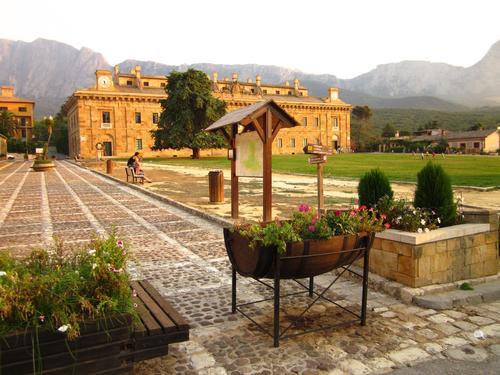 Ficuzza, Palazzo Reale - BOLOGNETTA - inserita il 29-Oct-12