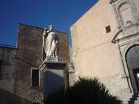 Statua del Beato Alberto in piazza San Giuliano a Erice (1172 clic)