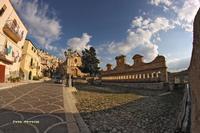 La Granfonte in tutta la sua magnificenza. Panoramica.  - Leonforte (18503 clic)