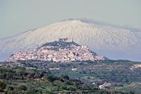 Sua Maestà L'Etna.   - Agira (2423 clic)