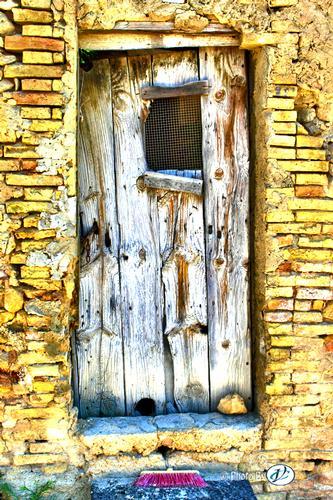 Abandoned-12 - LEONFORTE - inserita il 29-Oct-12