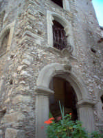 Casa Suor Teresa Fontana - particolare  - Novara di sicilia (6551 clic)