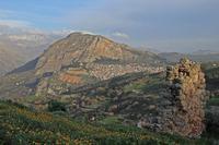 Caltavuturo visto dal castello di Sclafani Bagni  (3914 clic)