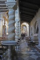 Basilica San Leone monumento nazionale dal 1933   - Assoro (2394 clic)