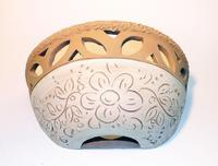 Applique in cotto intarsiato e decorato con ingobbio Ceramiche DiD, gli originali prodotti artigianali in vendita nella suggestiva bottega d'arte di Cinisi  - Cinisi (1932 clic)