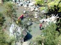 fiume alcantara, escursionisti  - Alcantara (3364 clic)