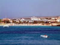 la spiaggia del porto  - Lampedusa (3509 clic)